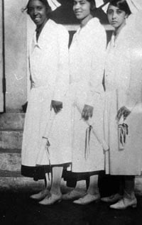 Blue Ridge Hospital nurses in 1925. L-R: Flossie Metz, Lula Long and Kathleen Wills. Photo: Special Collection UNC-Asheville.