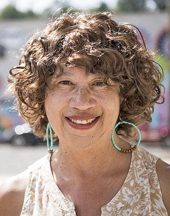 Kathey Avery. Photo by Damon Dahlen/HuffPost