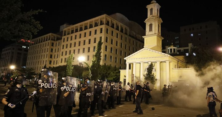 Protestors Attacked Outside of St. John's Church in Washington, DC