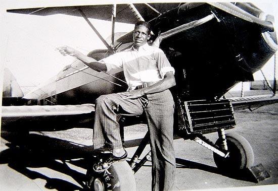 Frank Calvin Mann, Black commercial pilot